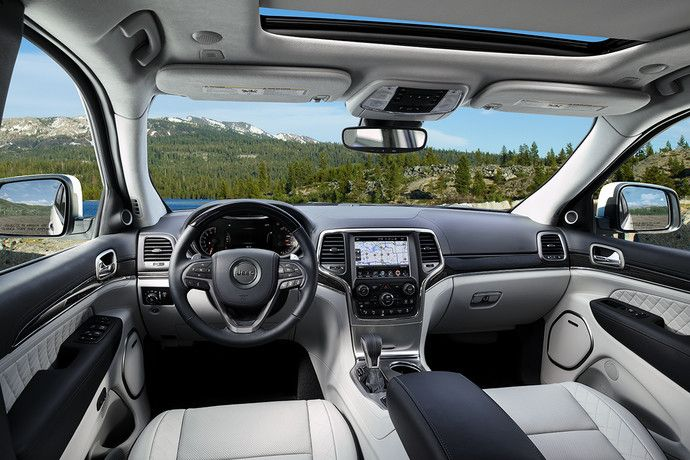 2019 Jeep Grand Cherokee With Black Leather Interior And Sunroof Jeep Grand Cherokee Jeep Interiors Jeep Grand Cherokee Limited