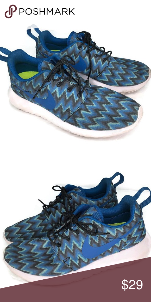 competitive price 9c647 4fd29 Nike ID Chevron Print Sneakers Blue Size 8 Nike Id shoes in Very Good  Condition.