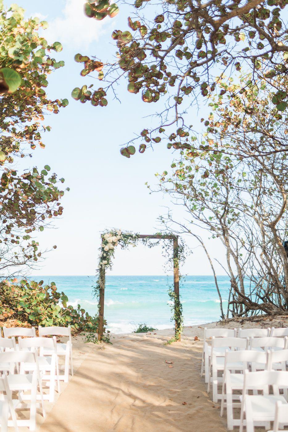 Organic Jupiter Beach Resort Florida Wedding On Coastal Bride Jupiter Beach Resort Beachfront Weddings Florida Beach Wedding