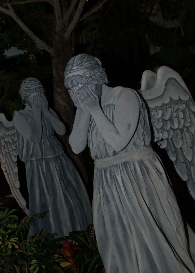 awesome weeping angel doctor who cosplay