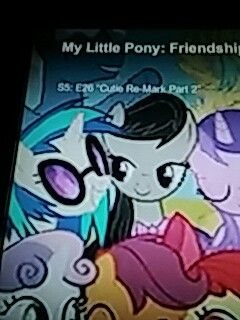 Can we just talk about how Octavia is looking at Vinyl? Loving it! ❤