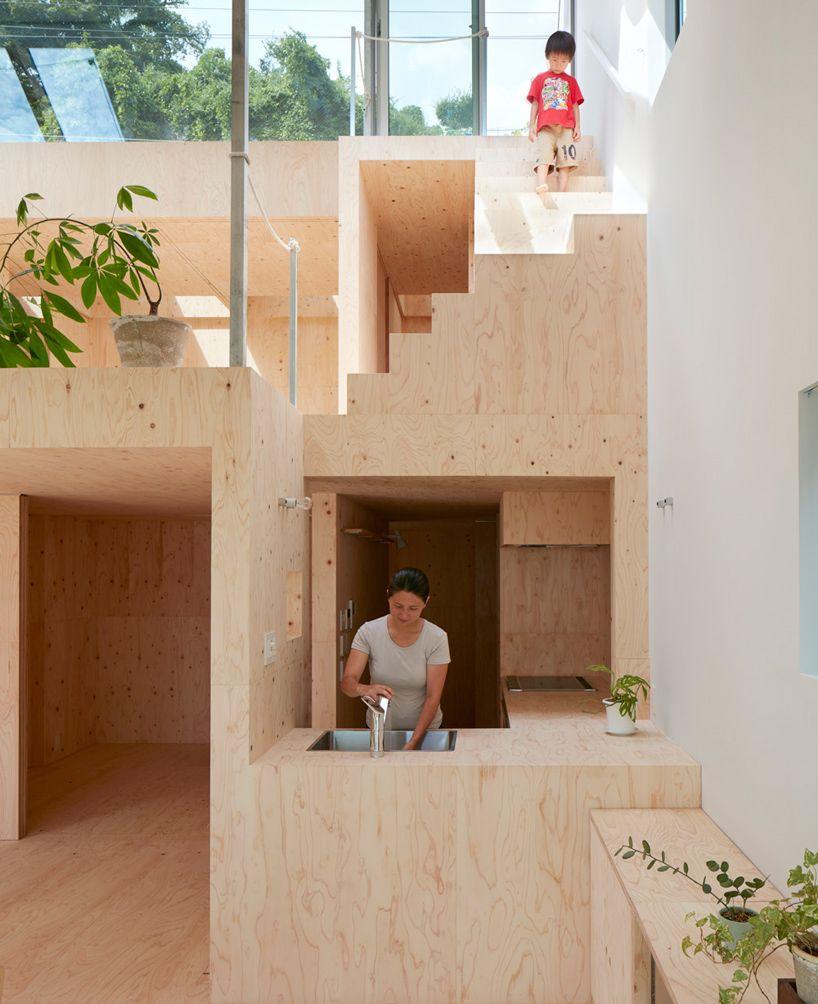 Tomohiro Hata's Hillside House Interior Integrates