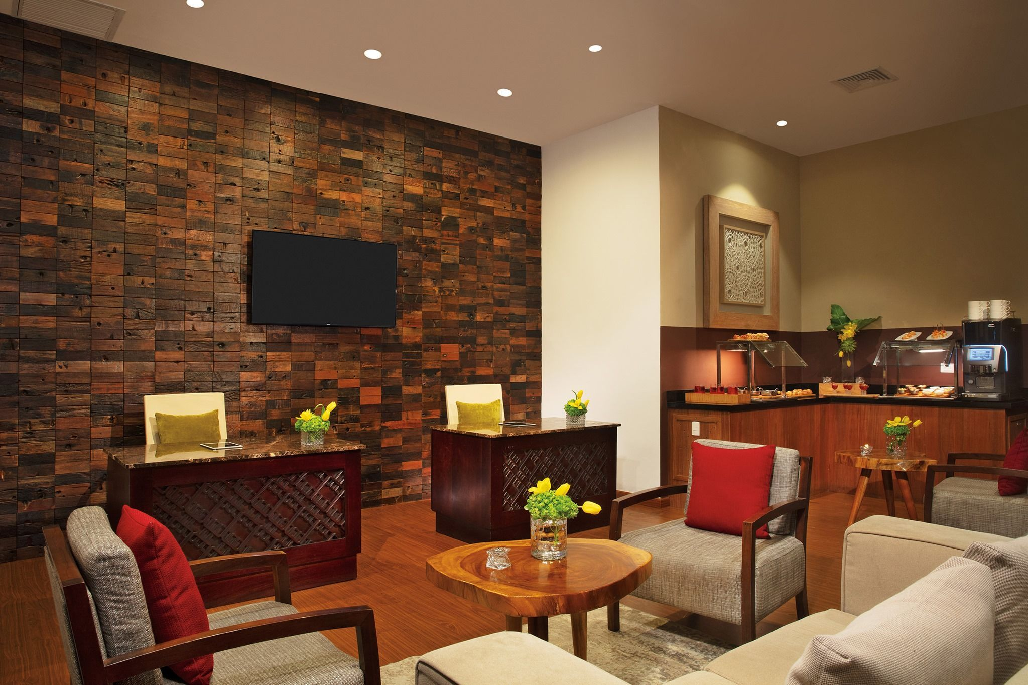 Upgrade To The Preferred Club For Access To Our Private Lounge In 2020 Private Lounge All Inclusive Beach Resorts Resort Spa