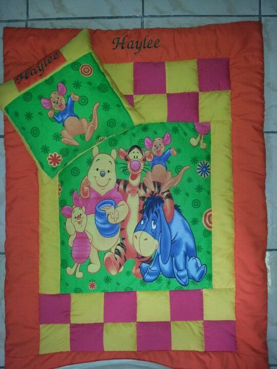 Pooh quilt and pillow set