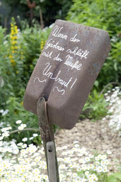 Gesucht Ihre alten Gartenschätzchen Schatz, Werkstatt und Haushalte - unkraut im rasen