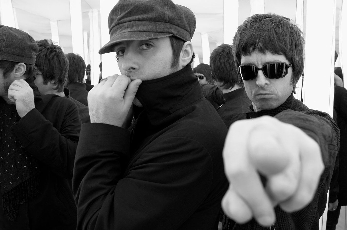 Dean Chalkley sessions: Noel and Liam Gallagher of Oasis (M-LH-013)