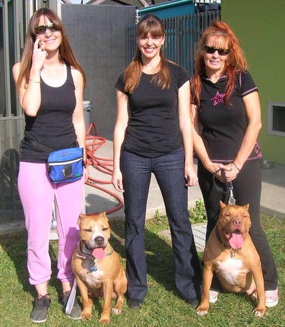 Louise Victoria Stilwell Tia Torres At Villalobos Rescue Center Pit Bulls Parolees Villalobos Rescue Center Pitbull Rescue