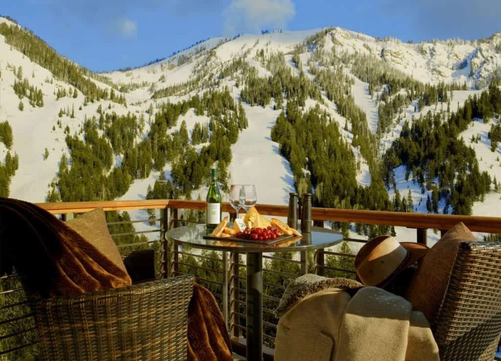 5 Reasons Fall Is The Best Time To Visit Jackson Hole Wyoming Trekkn For The Love Of Rving In 2020 Hotel Terra Jackson Hole Hotels Jackson Hole Ski Resort
