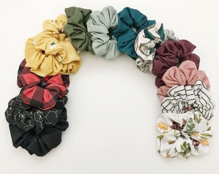 Scrunchie Hair Styles: Pin By Emma Katherine Jones On Scrunchies In 2019