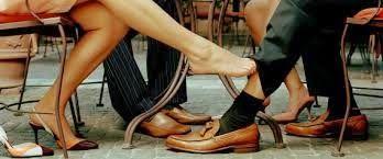 mykonos ticker: Γιατί οι Γυναίκες Απατούν τον Σύζυγό τους