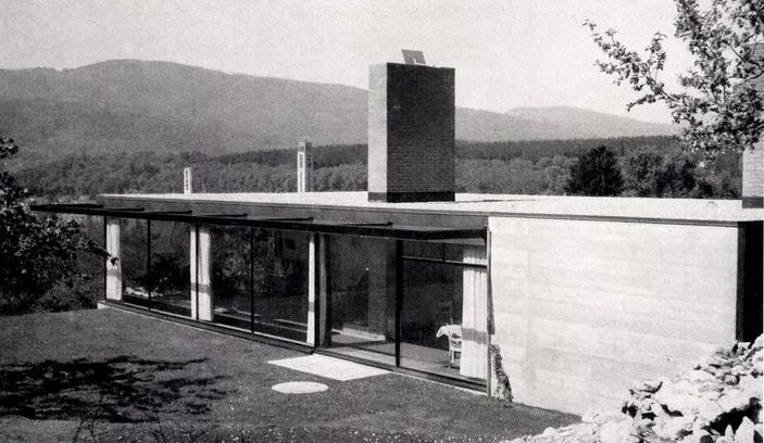 House (1954-56) built for himself in Olten, Switzerland, by Hans Zaugg - #1950s #architecture #architektur #bungalow #Hans #house #switzerland #zaugg