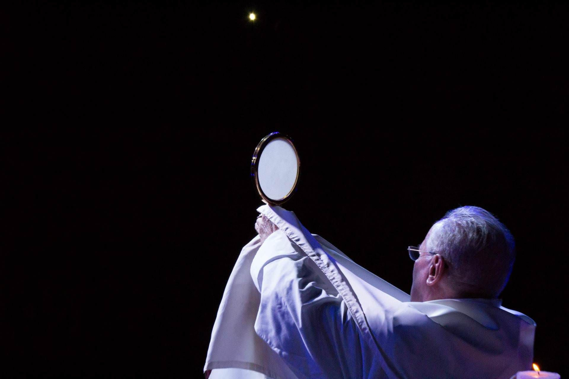 Imagen Católica: Eucaristia, Sacerdote