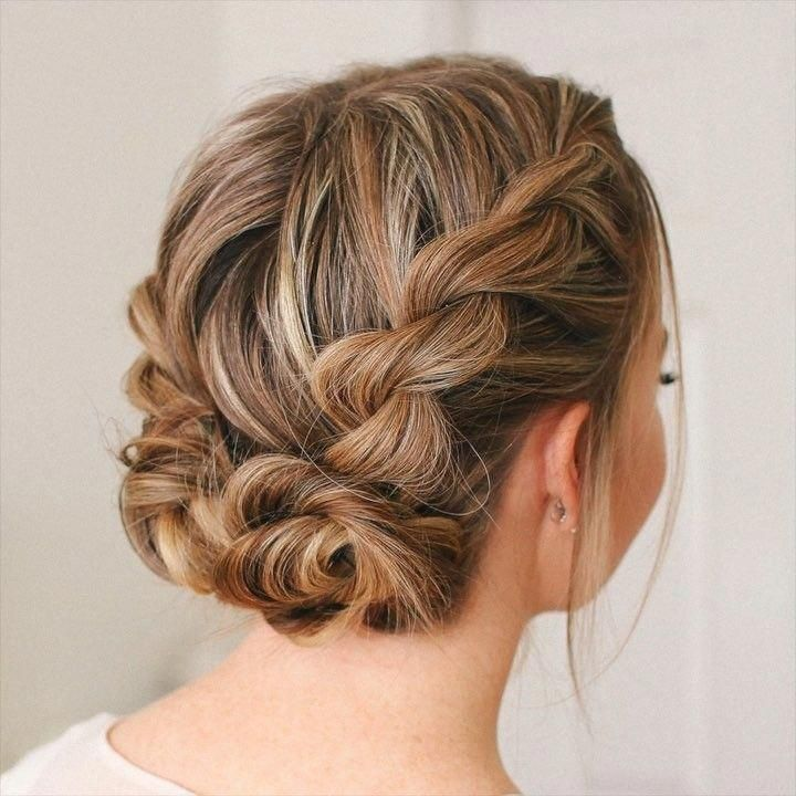 Double Twist Low Buns A cute, heatless hairstyle for summer! Tag a friend that would love t ...