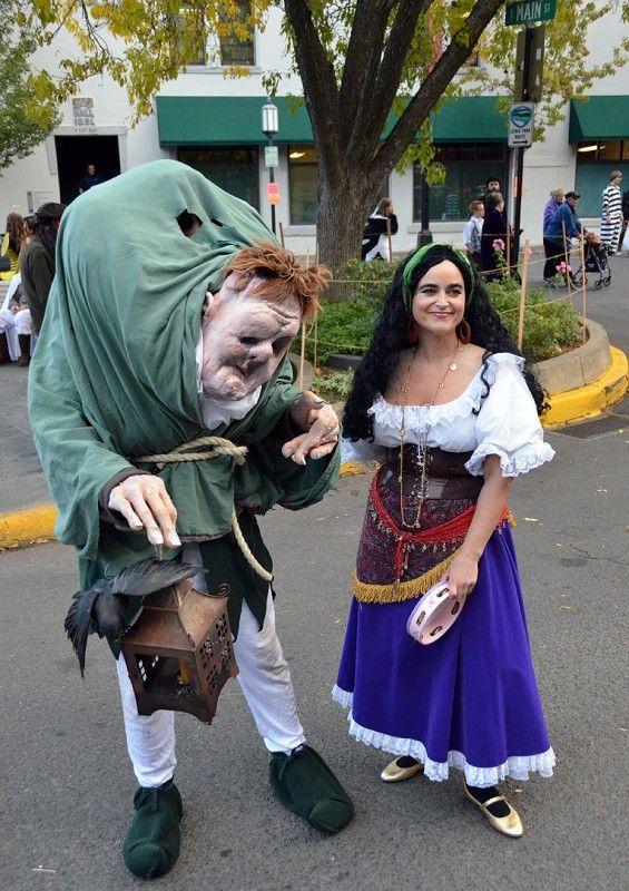 Quasimodo and esmeralda costumes   Hunchback Notre Dame ...