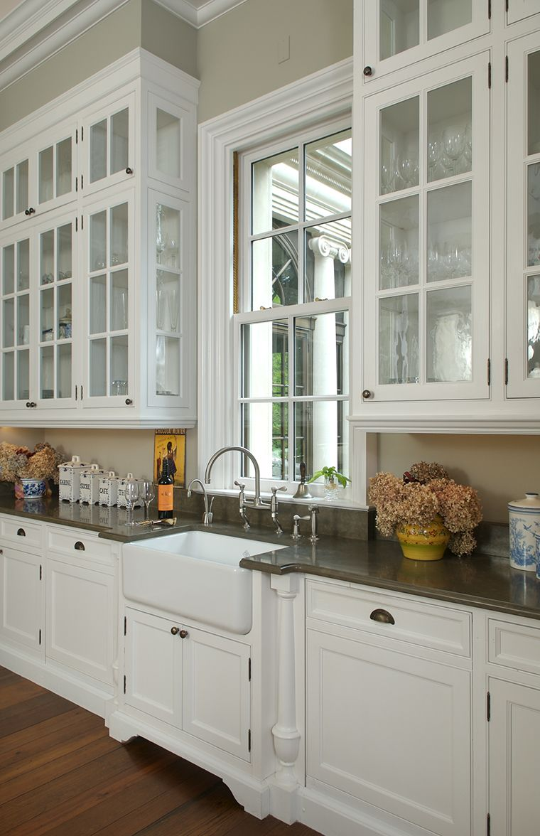 Virginia Country House Kitchen Farmhouse Sink Glass Front Cabinets Franck Lohsen Architects Kitchen Decor Kitchen Kitchen Wall Colors