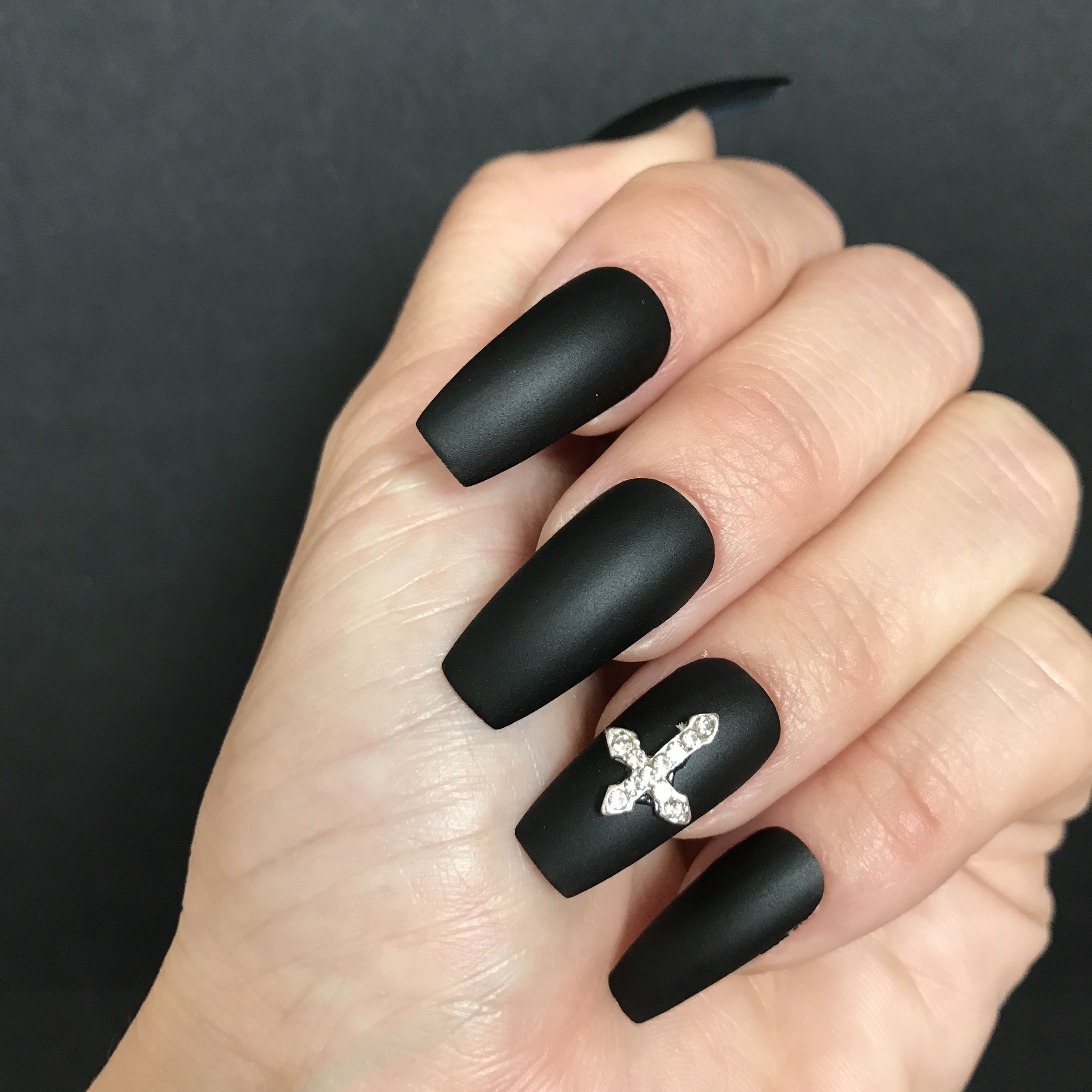Halloween Nails Subtle Coffin Shape Matte Black And A Glossy Accent Nail With A Spider We Cute Halloween Nails Black Halloween Nails Halloween Acrylic Nails