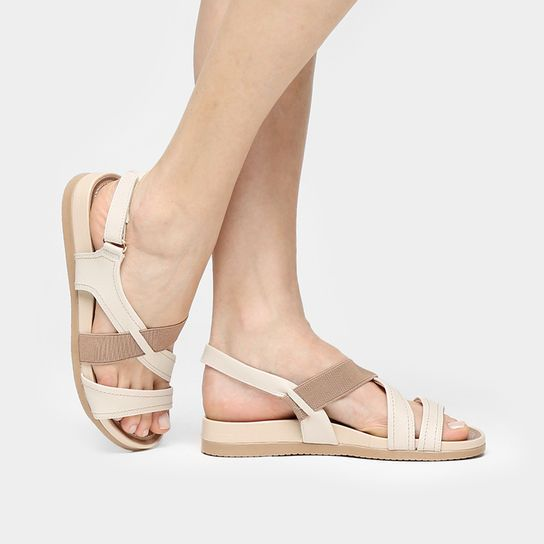 83f8a1317 Rasteira Usaflex Multi Tiras e Elástico - Off White Sandalia Usaflex,  Calçado Feminino, Calças