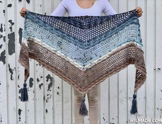 Simple Crochet Shawl for beginners - Shell Wave Shawl by #crochetshawlfree