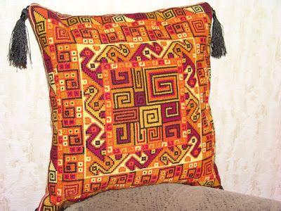 """Эксклюзивное рукоделие: Декоративная подушка """"В стиле перуанского ткачества"""""""