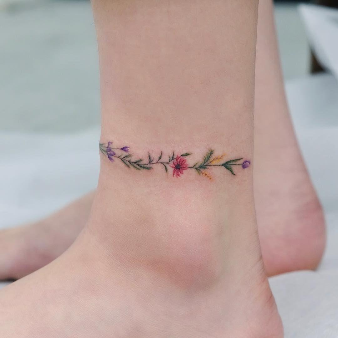 "SOL TATTOO STUDIO on Instagram: ""Flower Anklet Tattoo 🌿💫 Studiobysol _ @siyeo…"