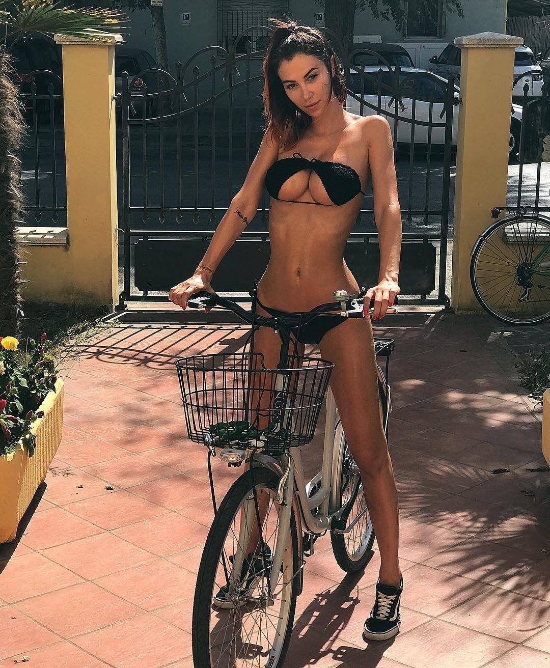 Ass Hargitai Henrietta nude photos 2019