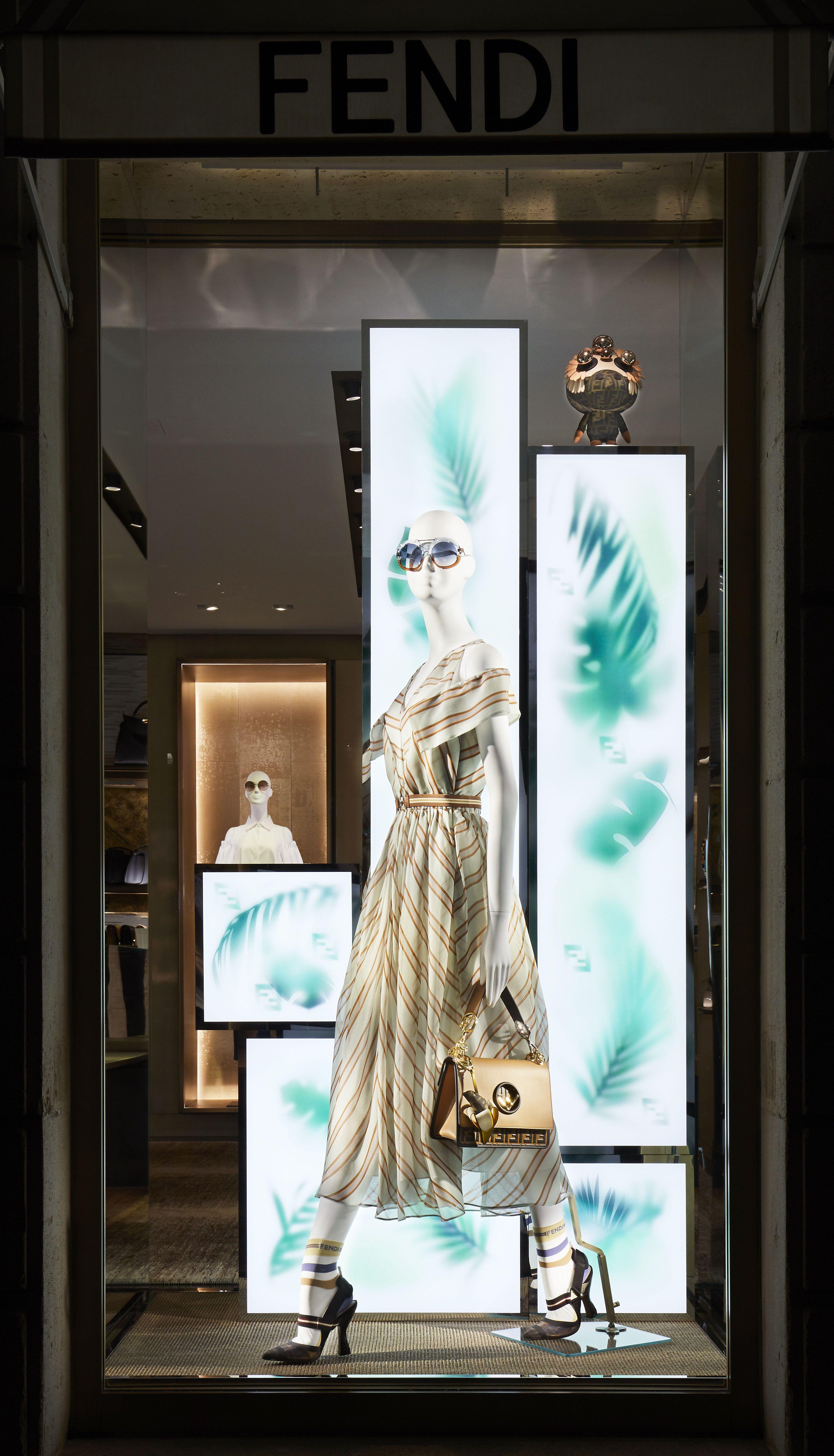 e19664636 Fendi Spring/Summer 2018 Windows - Paris, France | My fashions in ...