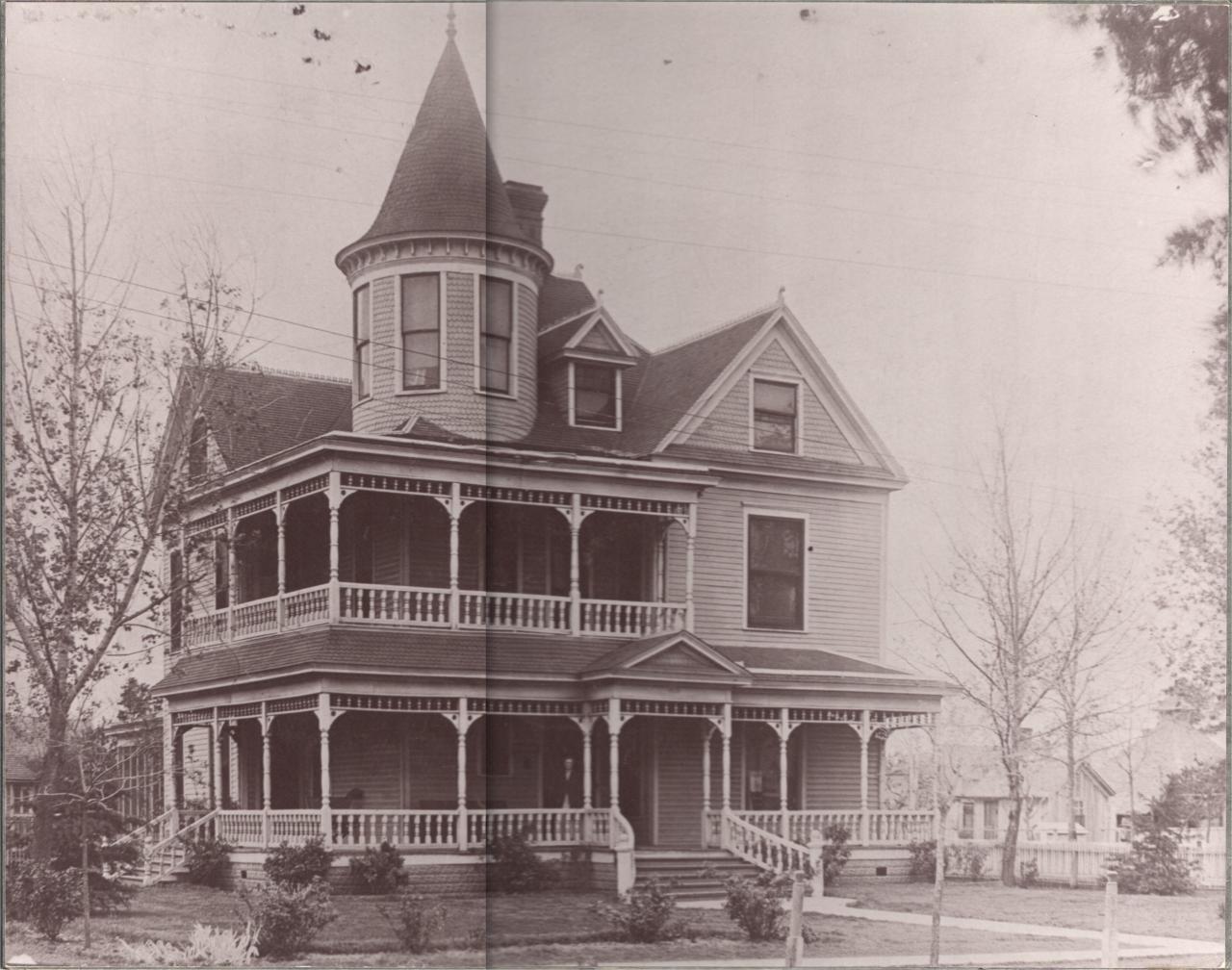 Old Victorian Houses | 1903 Victorian Home | Old Victorian Homes ...