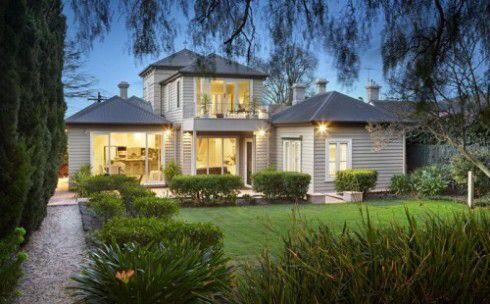 Weatherboard facade double storey | Weatherboard house ...