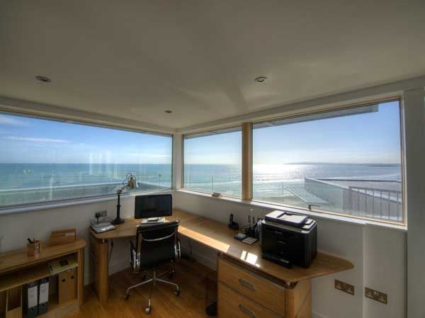 Modern beach house in east sussex with glass and timber - House with a view ...