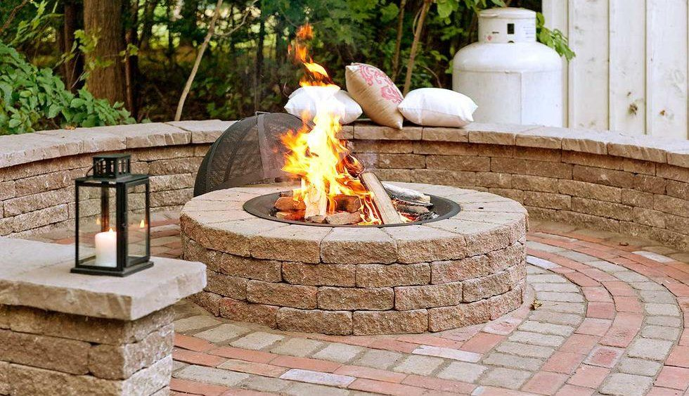 TECHO BLOC Valencia Fire Pit - (one course not shown below finish patio)
