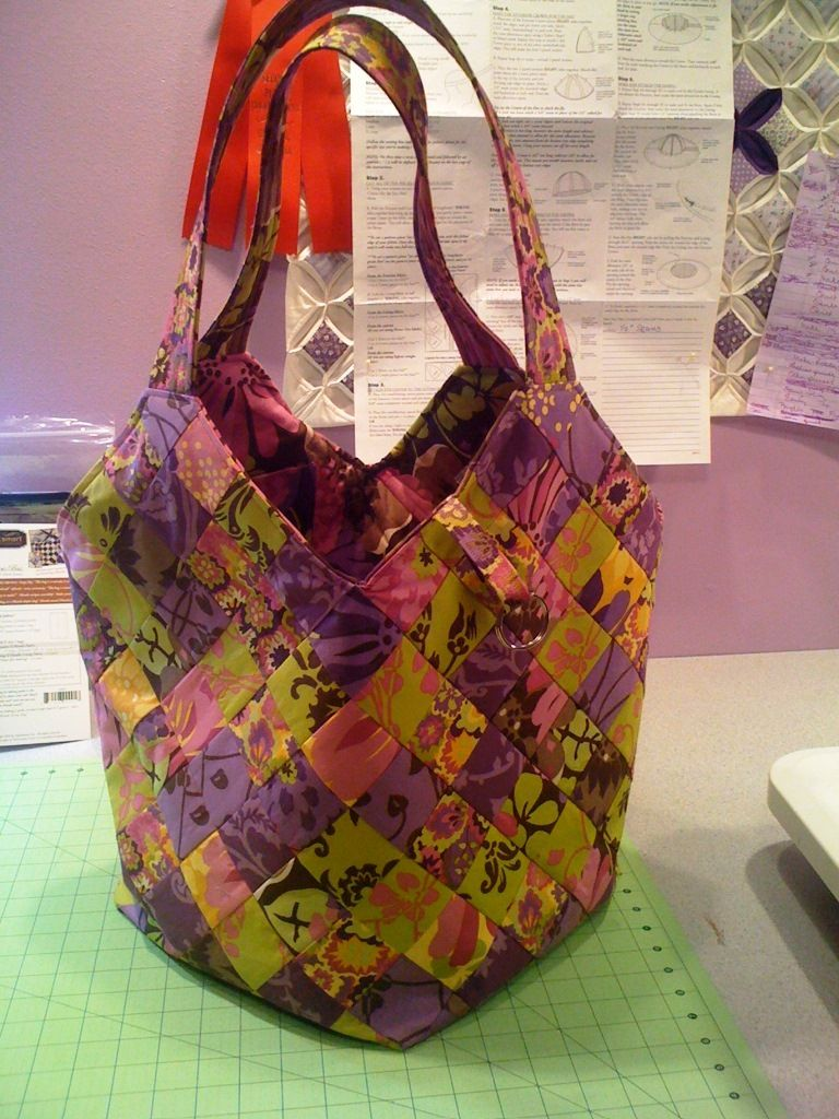 Mondo bag in Piccadily line of fabric. For my best friend, Tammy ...
