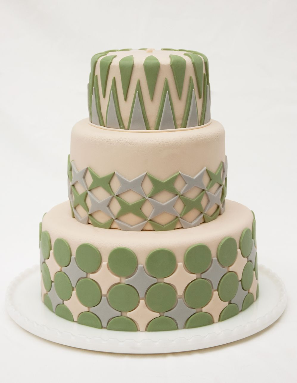 Love The Graphic Nature Of This Cake Although It S Probably Fondant
