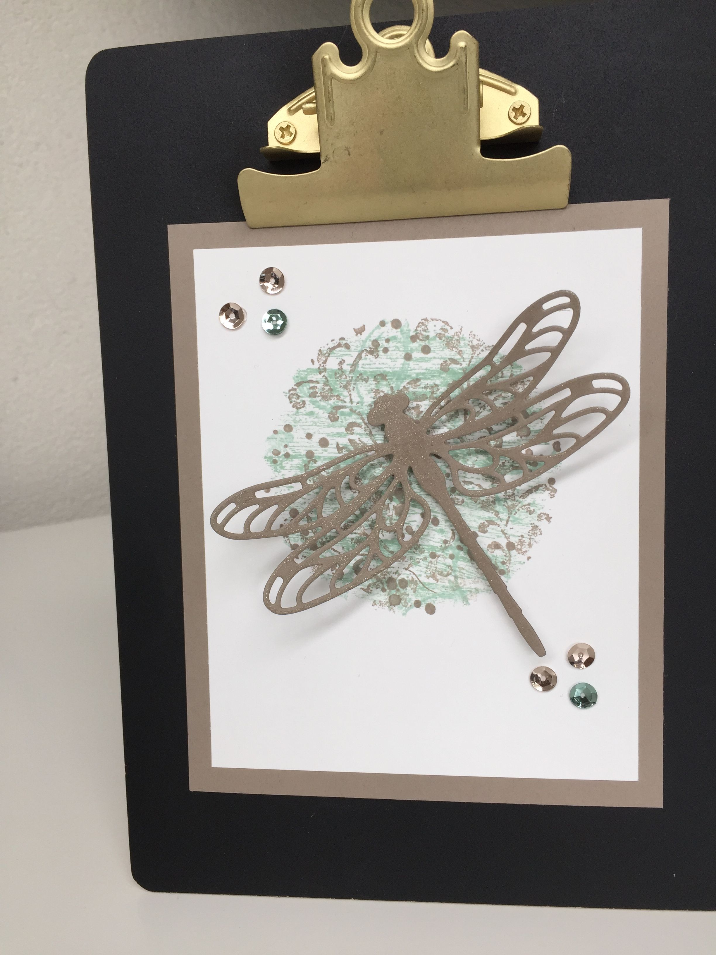 Stampin'Up, Detailed dragonfly Thinlits dies, Spotlight Background Stamping,