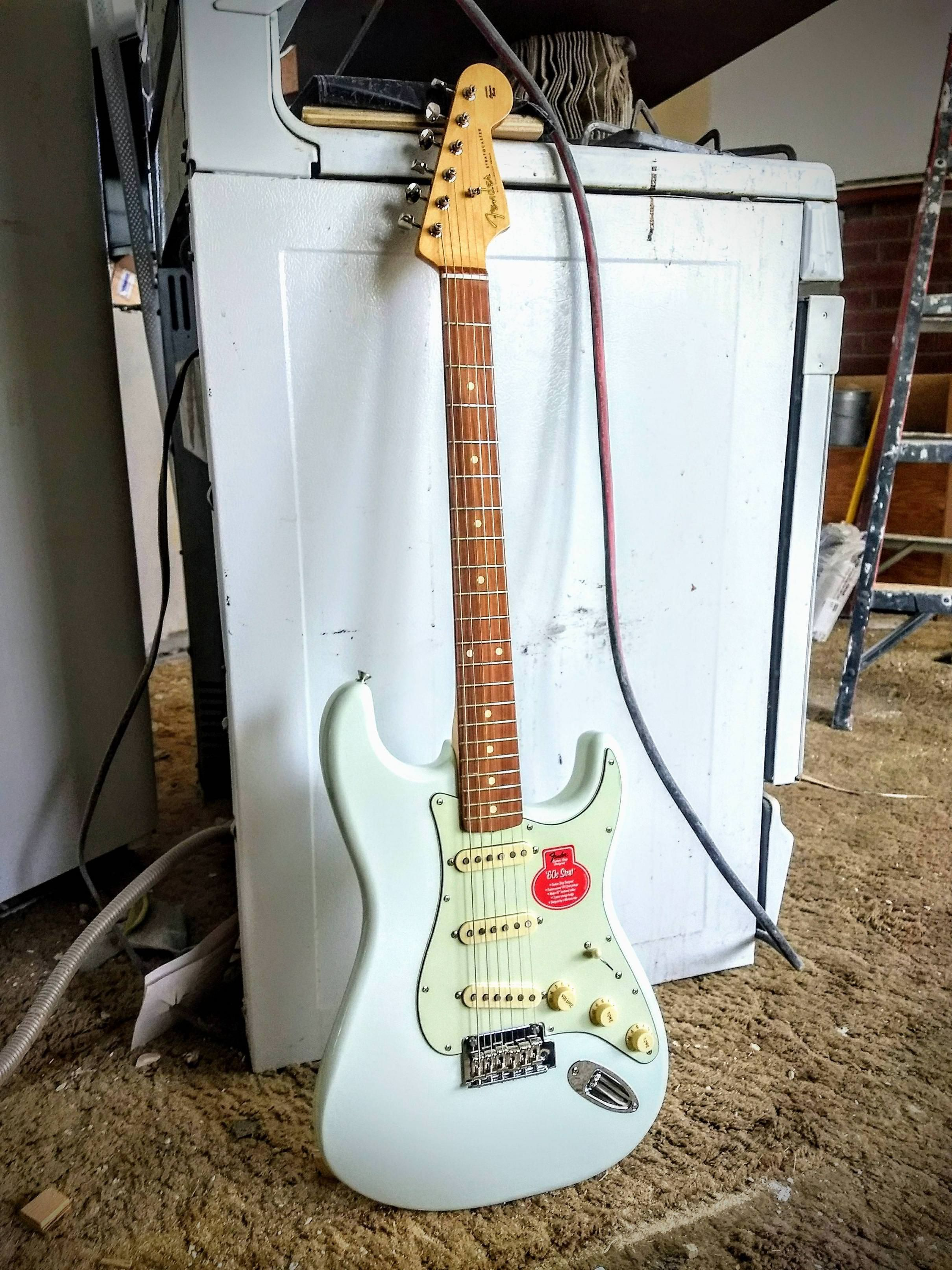 Fender Classic Player 60s In Faded Sonic Blue Guitarchords