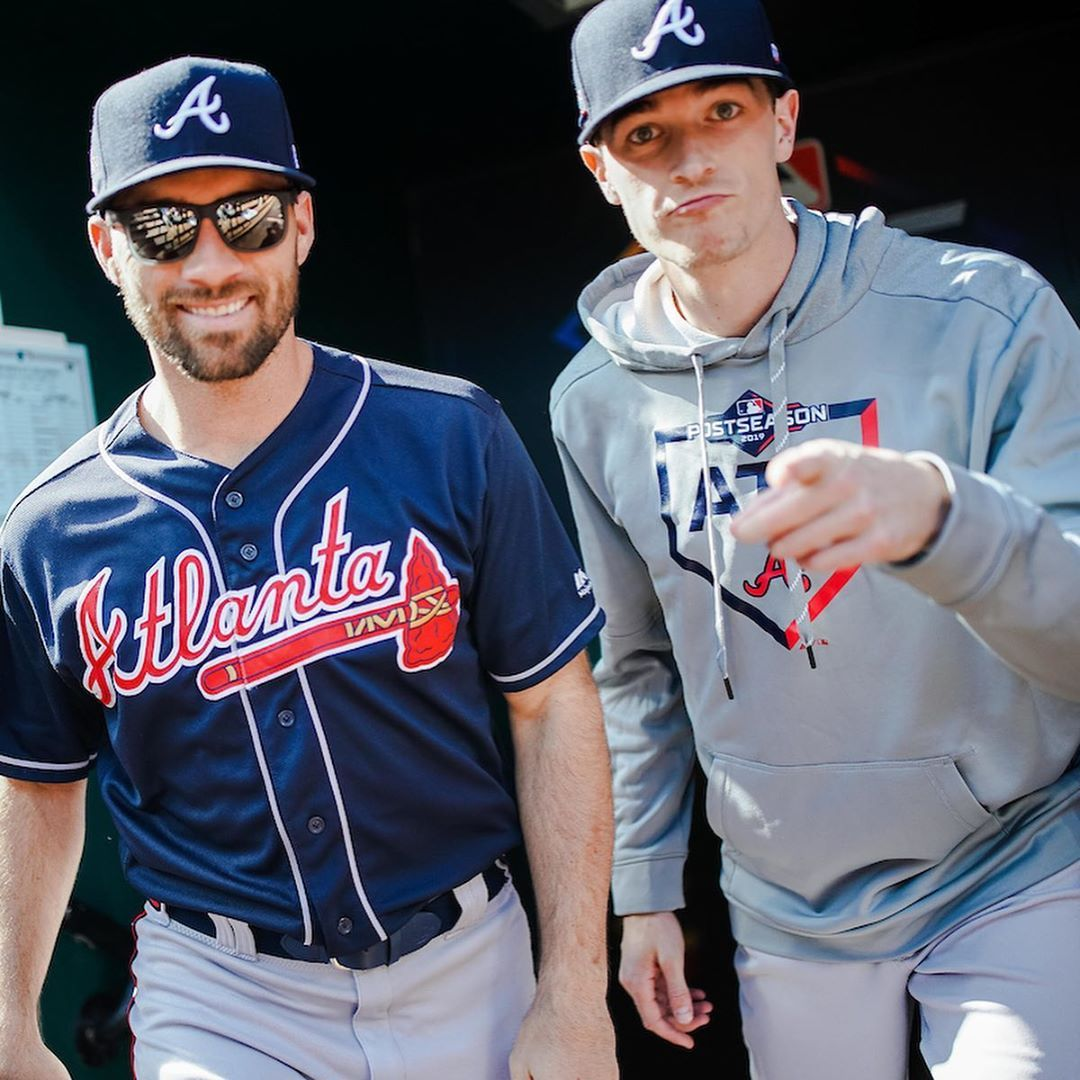 Atlanta Braves We Re Still Here Fam Stay Safe Take Care Of Each Other Until It S Time To Hi In 2020 Atlanta Braves Braves Baseball Guys