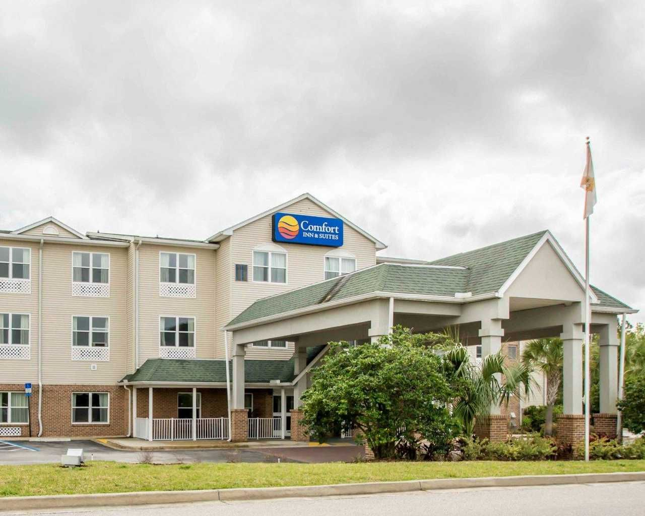 Searching For Ideal Hotels In St Augustine Beach Fl Our Comfort Inn Suites I 95 Outlet Mall Hotel In Comfort Inn And Suites Beach Hotel Room Downtown Hotels