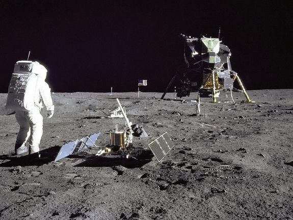 c12327a54c6df8061c5e0a1fc12c8748 - How Long To Get To The Moon Apollo 11