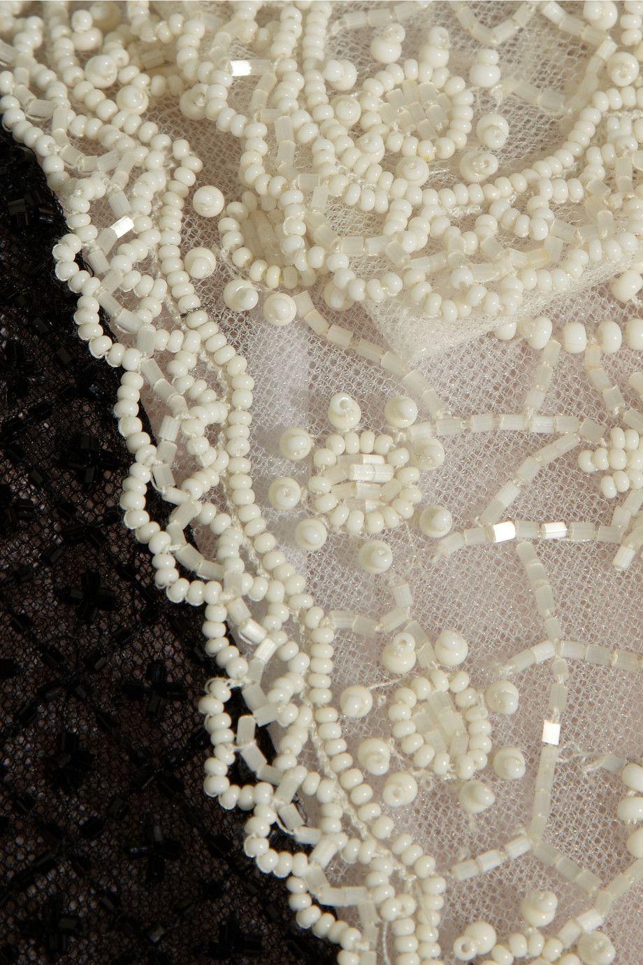 Платье с вышивкой на поясе 255