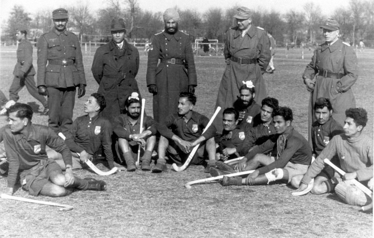 Some Field Hockey For Members Of 250 Indian Regiment Of The German Army The Regiment Formed With The Induction Of Bri Hockey World World War Two Hockey Teams