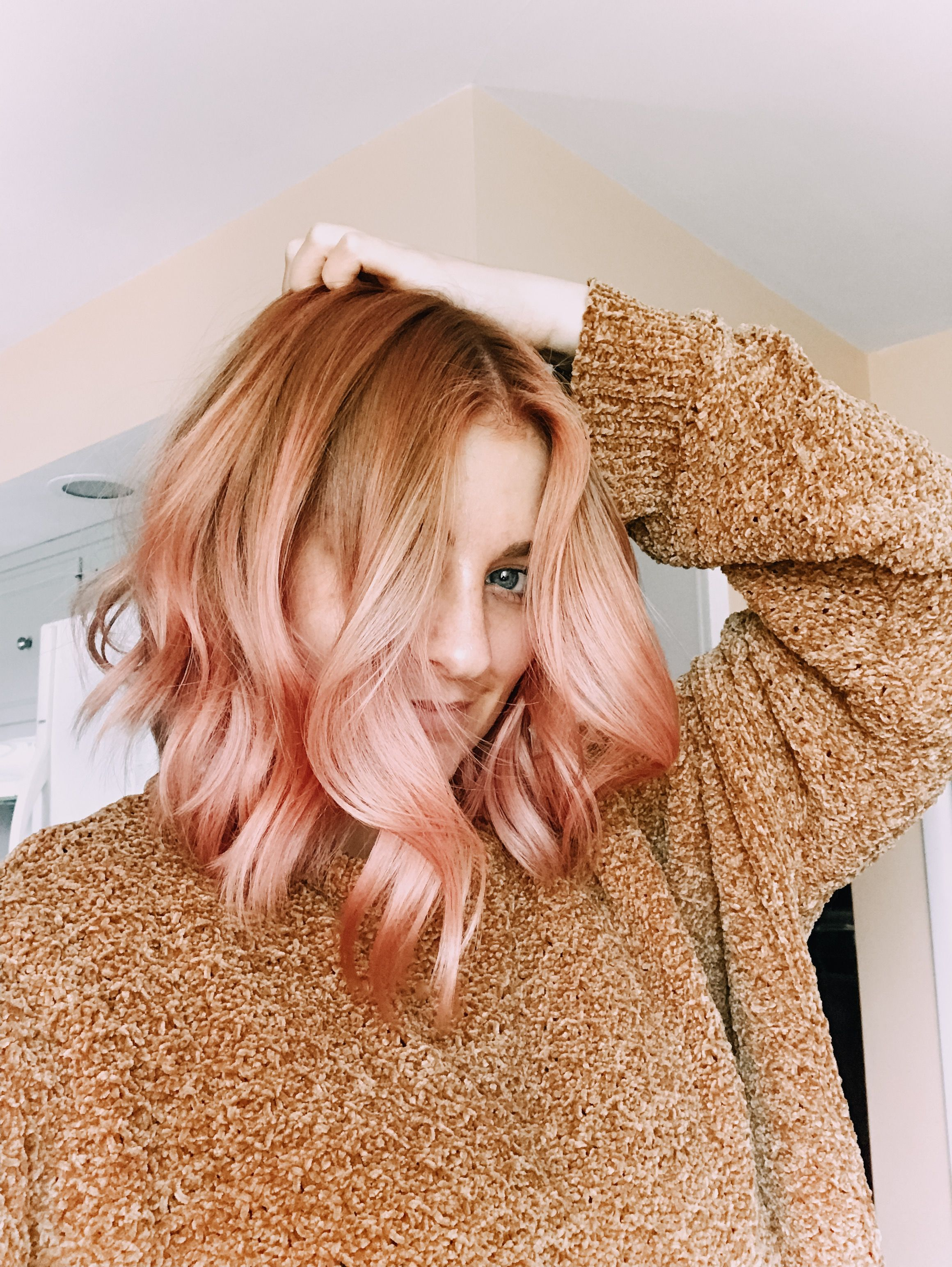 Strawberry blonde // rose gold