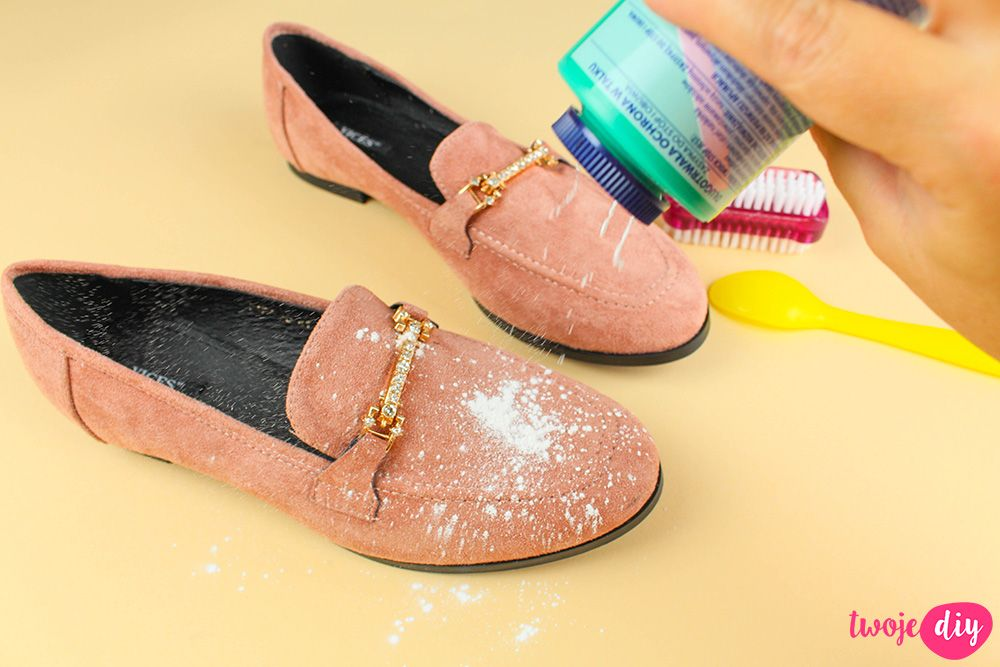 Jak Wyczyscic Buty Z Zamszu I Nubuku 9 Domowych Sposobow Twoje Diy Shoes Life Hacks Diy