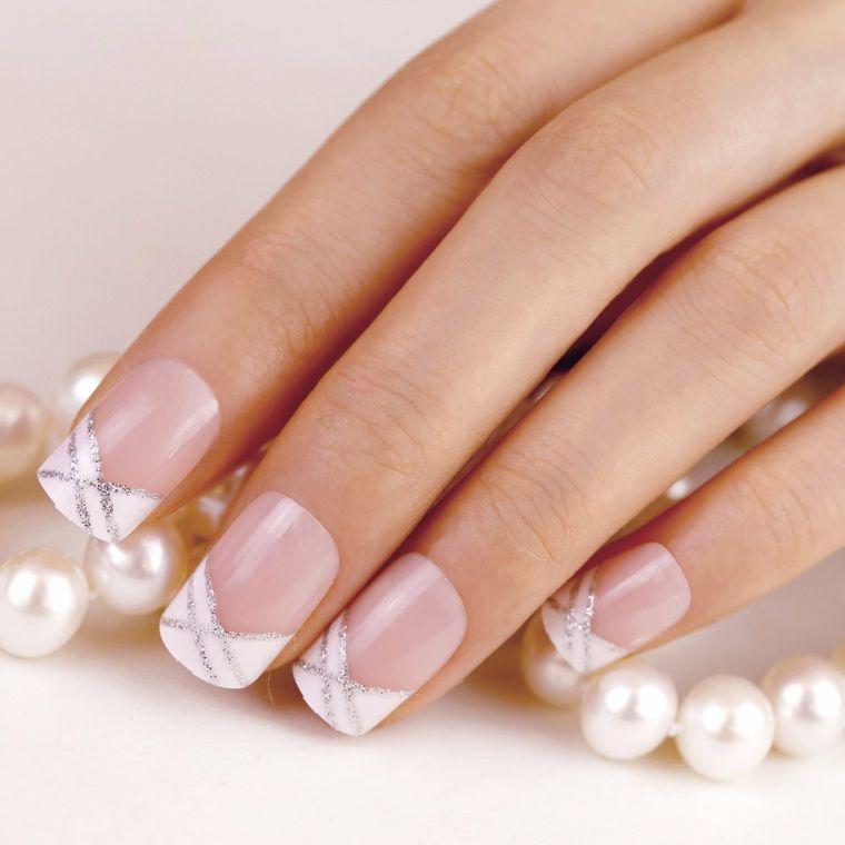 Una Proposta Per La Manicure Da Sposa Con Unghie Gel French Bianco E