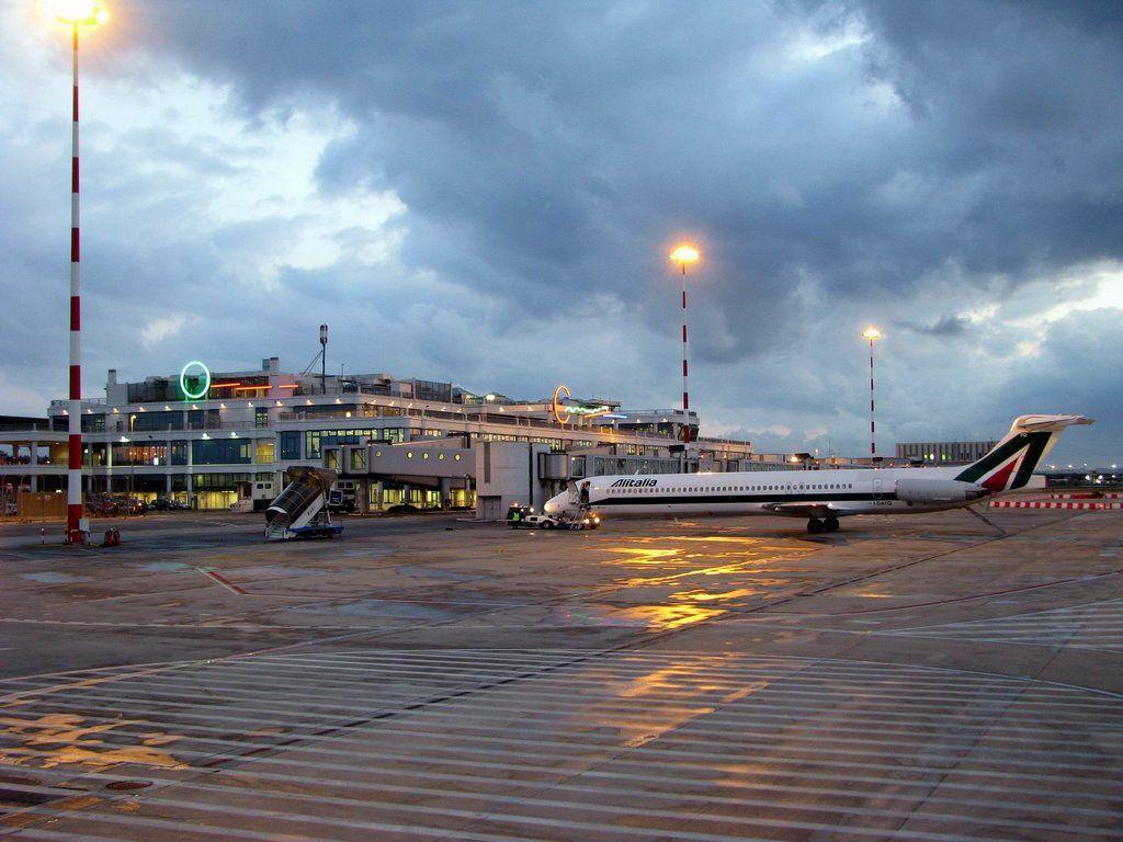 bari airport - Bing Images