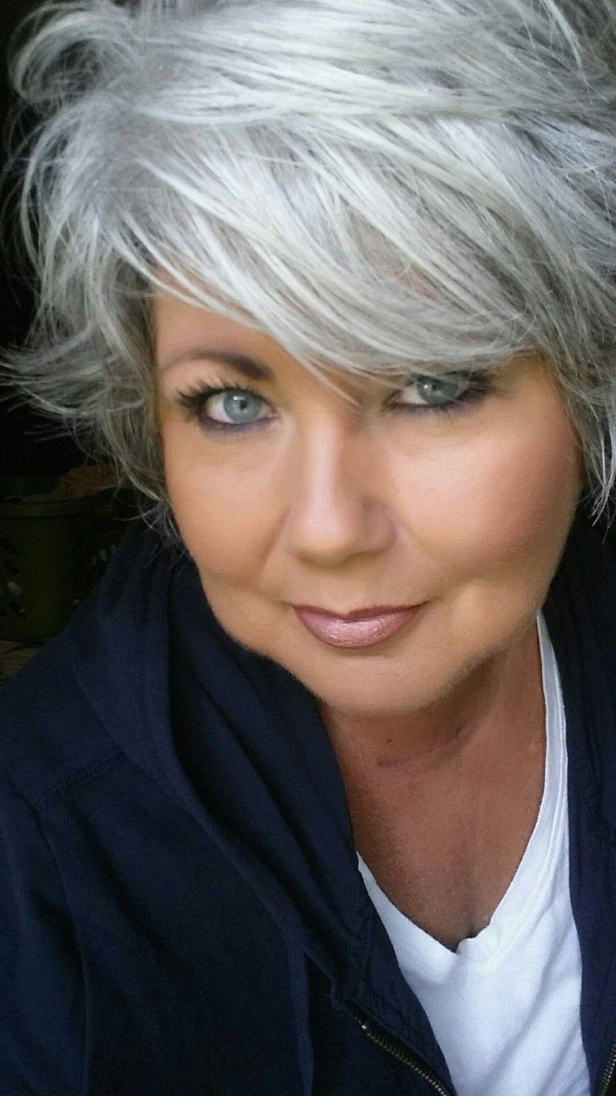 Best Of Frisuren Graue Haare Mittellang Frisuren Graue Haare Graue Haare Frisur Schulterlang Stufig Glatt