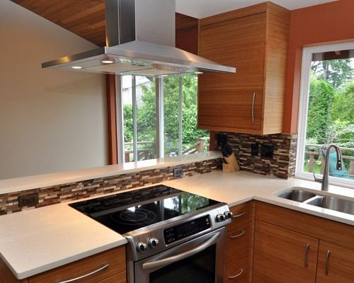 Kitchen Stove In Peninsula | View Project Info