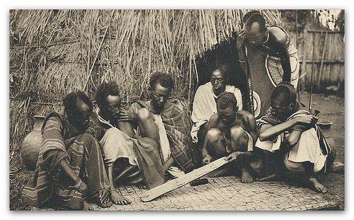 Planche divinatoire au Ruanda - Urundi   Flickr - Photo Sharing!