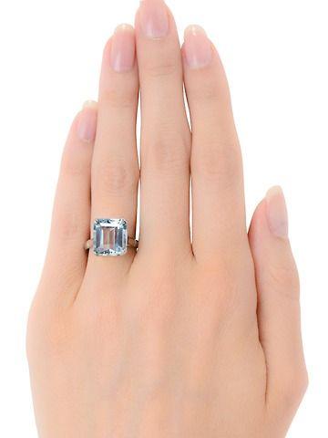 Sleek Sophisticated Aquamarine Platinum Ring - The Three Graces