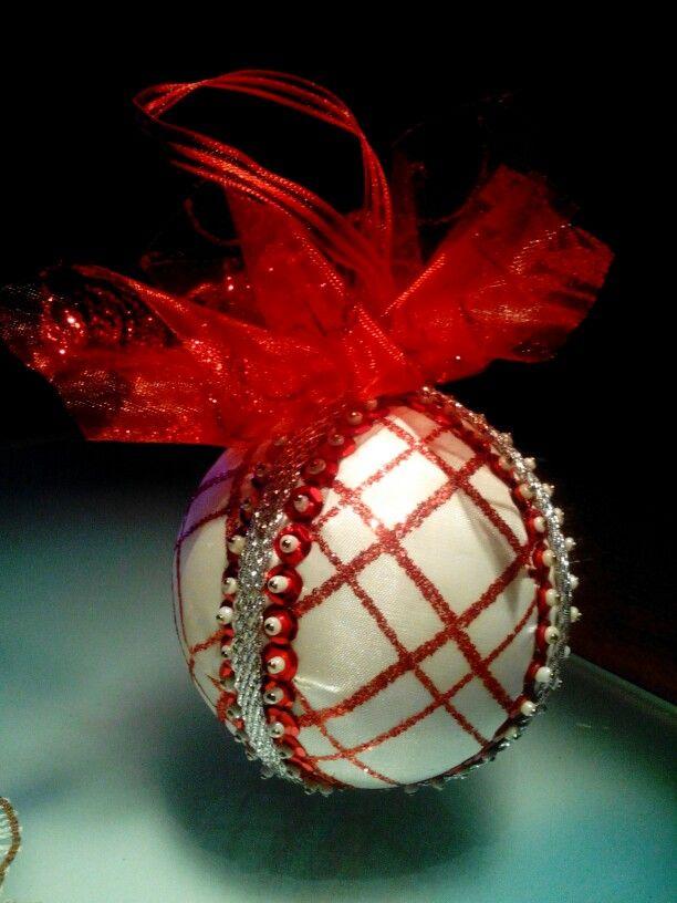 Bolas de navidad echas con corcho