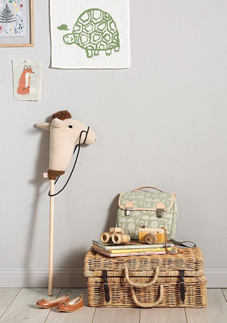 Kids' Bedroom Ideas: Wooden Details and Vintage Touches http://petitandsmall.com/kids-rooms-vintage-wood-details/