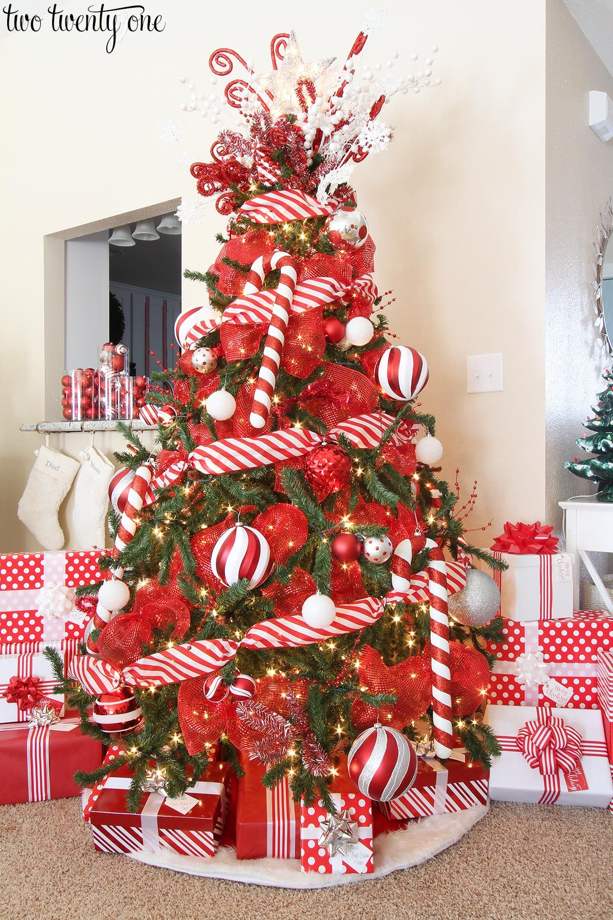 Christmas tree decorations red and white - Red Red And White Christmas Tree